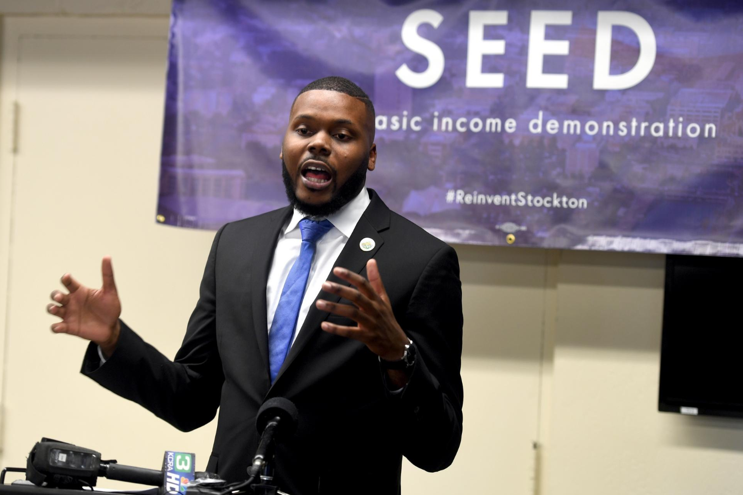 Stockton Mayor Michael Tubbs Announces The Basic Income Program At An Event In 2017 (Photo By Calixtro Ramos, The Record)